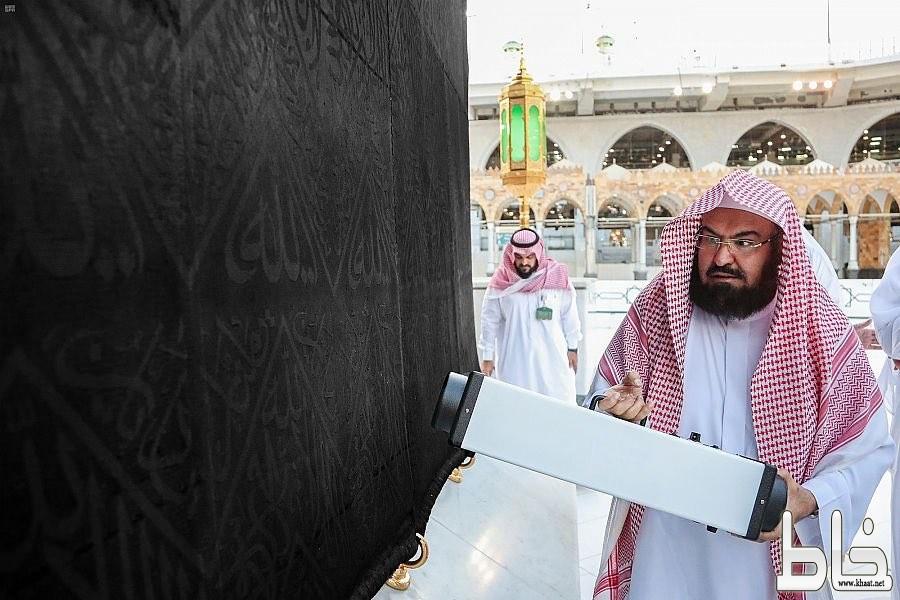الرئيس العام لشؤون الحرمين يدشن تقنية التعقيم الجديدة (تك الأوزون) داخل المسجد الحرام