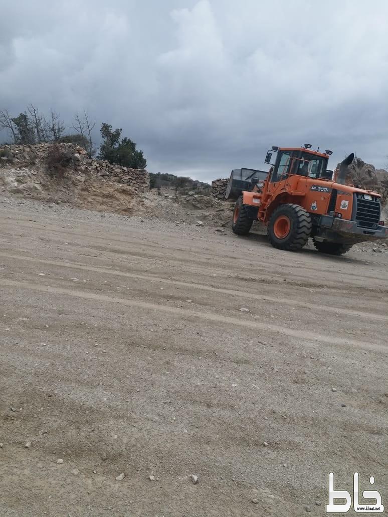 بلدية النماص ولجنة التعديات تستعيدان ١٢٠٠٠م٢ من الأراضي الحكومية
