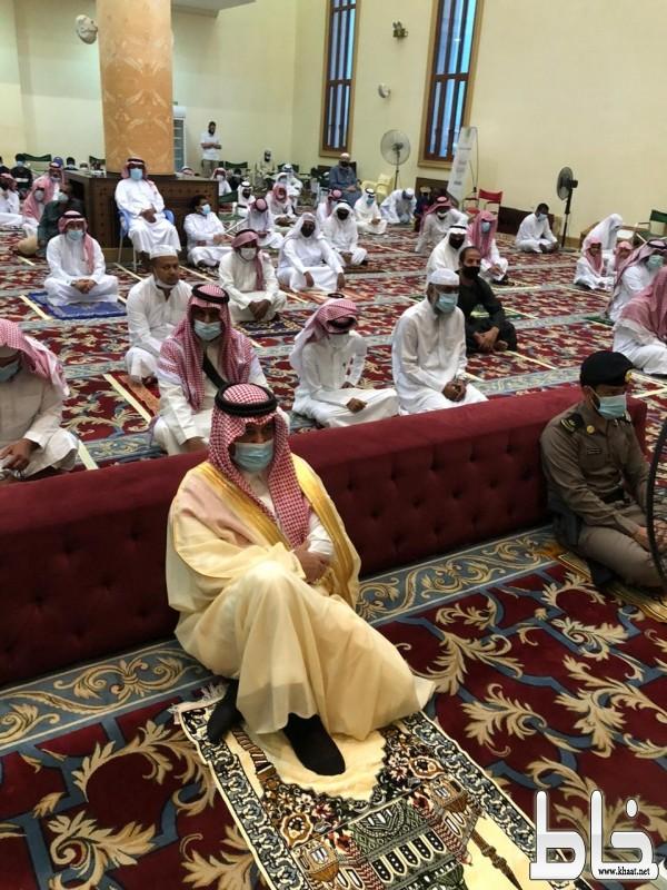 المرزوقي يتقدم المصلين في صلاة عيد الأضحى المبارك بمحافظة المجاردة