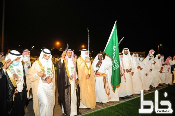 """برعاية أمير عسير وحضور """" البناوي """" محافظة بارق تحتفل باليوم الوطني الـ(90)"""