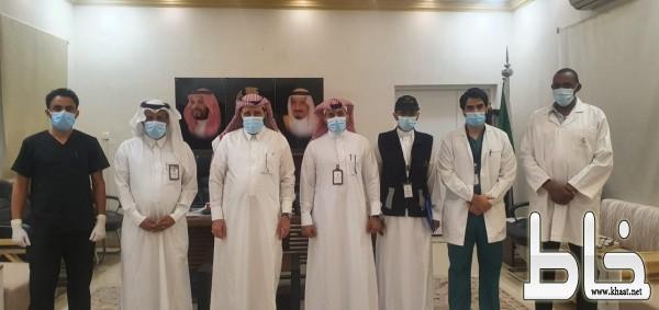 البناوي يدشن حملة التطعيم ضد الانفلونزا الموسمية بمحافظة بارق