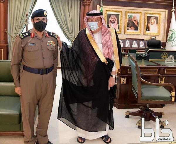 سمو أمير منطقة جازان يقلد اللواء عبدالله عايض الصميدي رتبته الجديدة