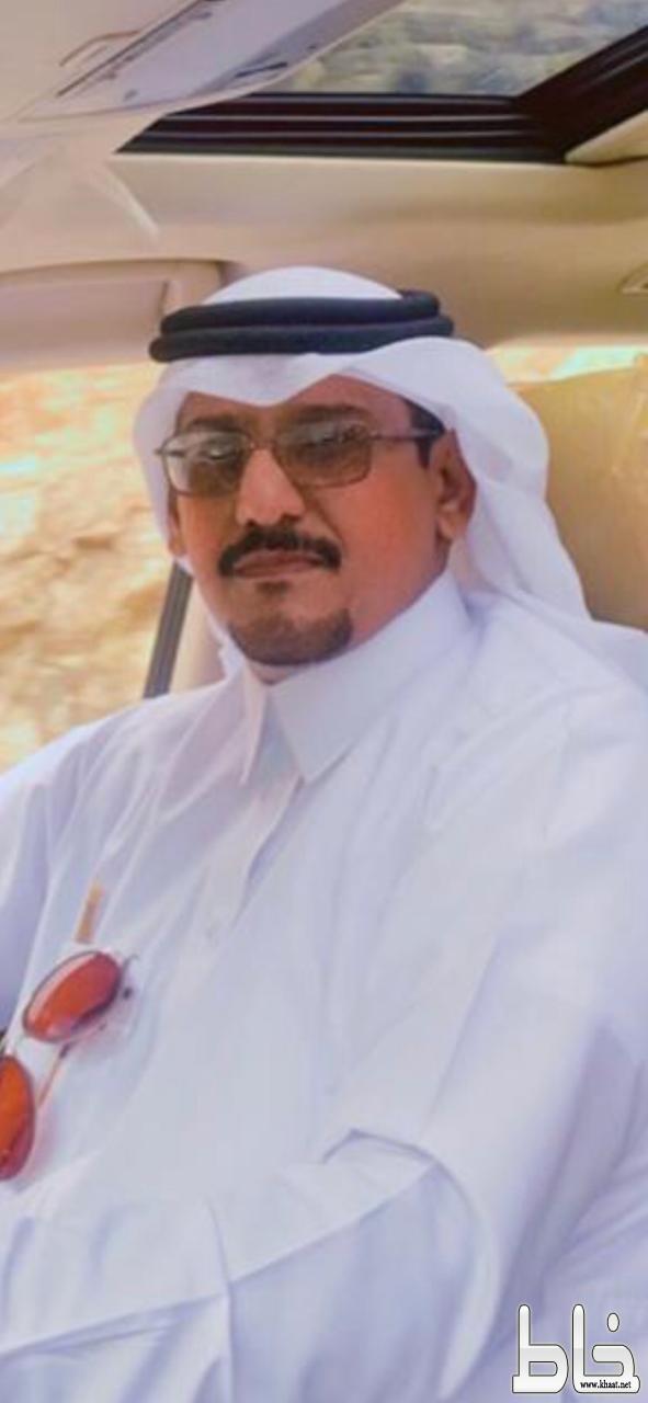 الاستاذ صاحب حمزه الشهري يجري عملية جراحية في مستشفى الملك خالد التخصصي للعيون في الرياض