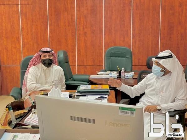 البناوي يزور بلدية بارق والمرضي يطلعه على الجهود المبذولة