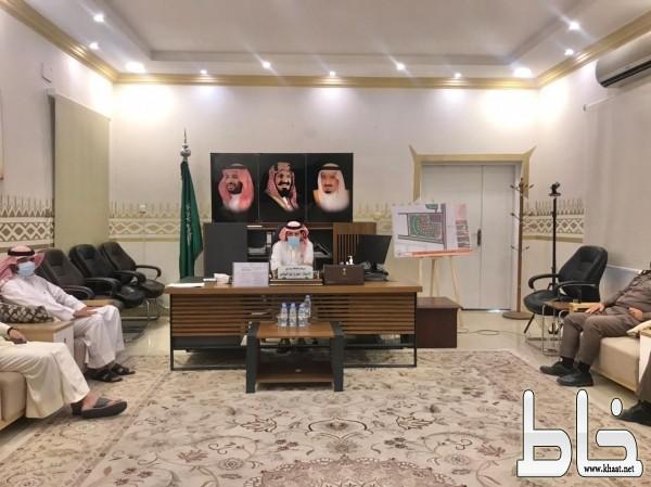 برئاسة محافظ بارق لجنة المواشي السائبة تقر آلية الضبط والعقوبات