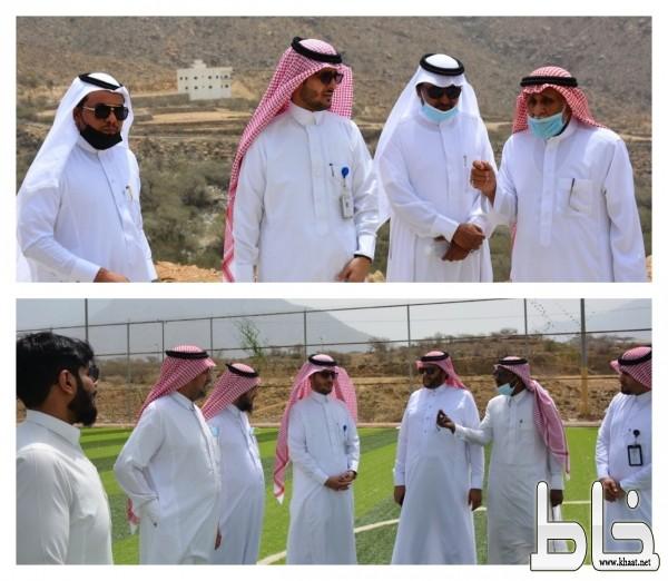 العربي يعقد اجتماع لمناقشة احتياجات أهالي مركزي ختبه وعبس وذلك بحضور رئيسي المركزين