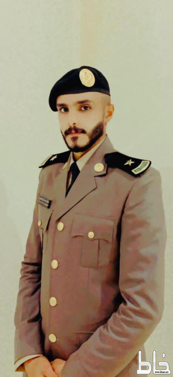 الملازم طلال الفقيه يحتفل بتخرجه من كلية الملك فهد الأمنية
