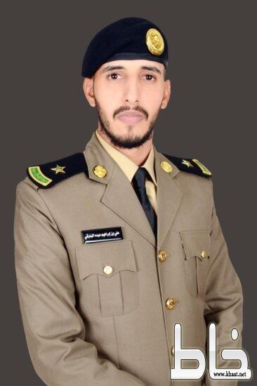 الملازم علي بن إبراهيم البارقي يتلقى التهاني بمناسبة تخرجه من كلية الملك فهد الامنية