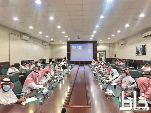 """محافظ """" بارق """" يرفع إحتياجات أهالي مركز جمعة ربيعة لسمو أمير المنطقة"""