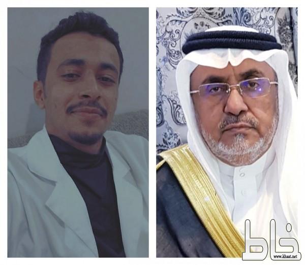 الشيخ عبدالله بن عبدالرحمن البارقي يحتفل بتخرج ابنه الدكتور محمد