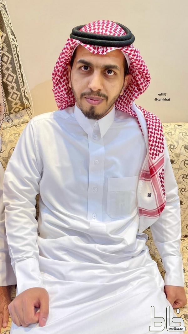 الاستاذ عبدالعزيز محمد الصميدي يحتفل بعقد قرانه