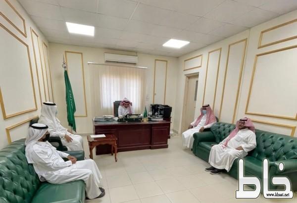 «آل منشط» يترأس إجتماع تشكيل لجنة الإسكان التنموي في بارق