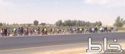 بالفيديو: تجمعات اثيوبية ومسيرات تقلق سكان الرياض