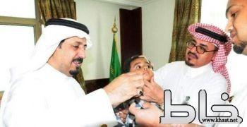 محافظ المجاردة يدشن حملة تطعيم الأطفال