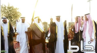 أهالي حي الأجواد يحتفون بالأمير فيصل بن مقرن