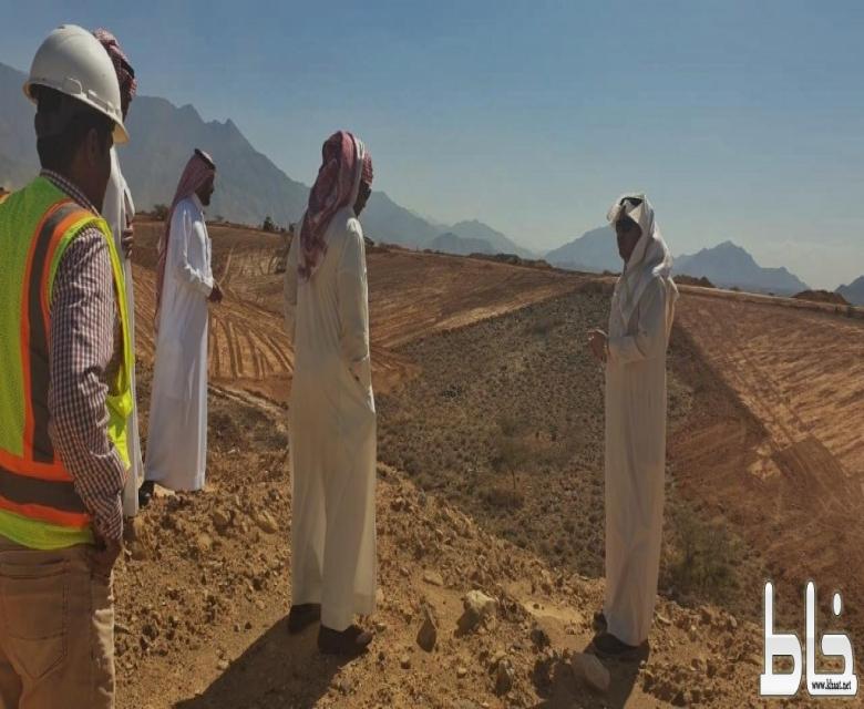 """""""العاصمي"""" يقف على مشروع الإسكان بسحبان التابع لمركز تهامة بللسمر وبللحمر"""