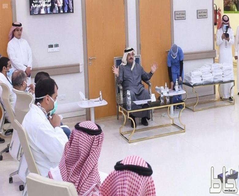 سمو الأمير تركي بن طلال يزور مركز أمراض القلب ومستشفى عسير المركزي ويلتقي الممارسين الصحيين