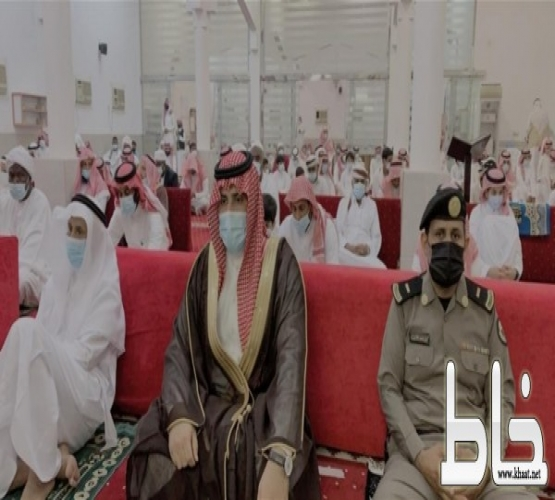 """""""ال عبشان""""   يتقدم المصلين في صلاة عيد الاضحى المبارك بمركز عبس"""