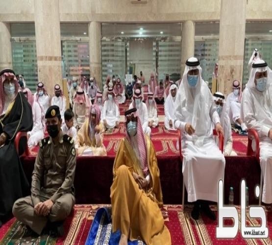 الطارقي يتقدم المصلين صلاة عيد الأضحى بمركز خاط